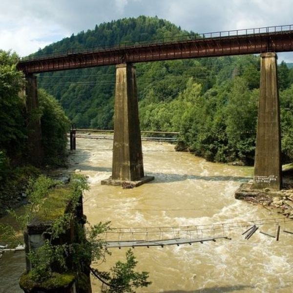 Міст через річку Прут, Яремче