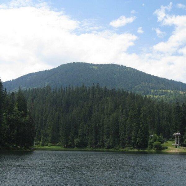 Гора Озерна